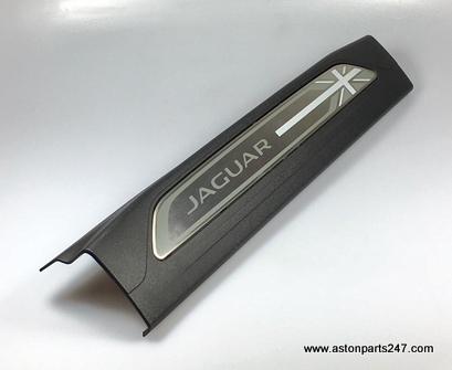 JAGUAR XE TREADPLATE SET FRONT UNION JACK – T4N7509.