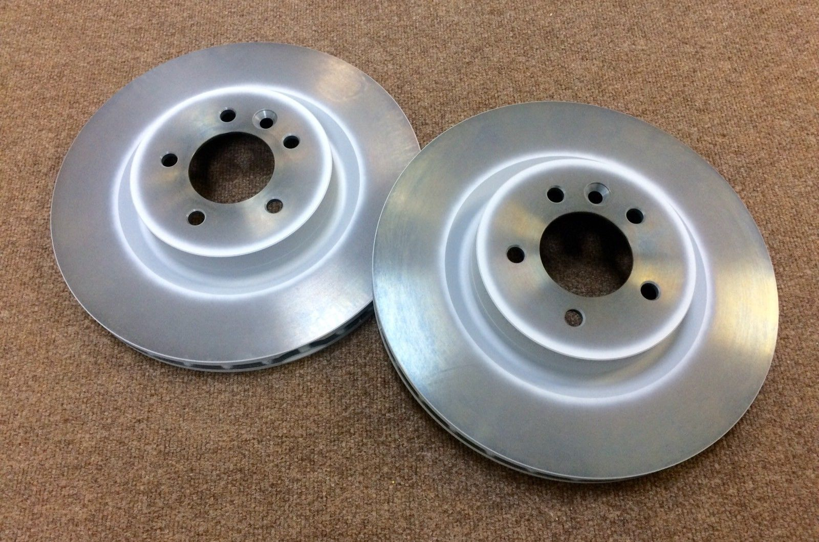 LAND ROVER DISCOVERY 4 & RANGE ROVER SPORT FRONT BRAKE DISC SET – SDB000624/AP.