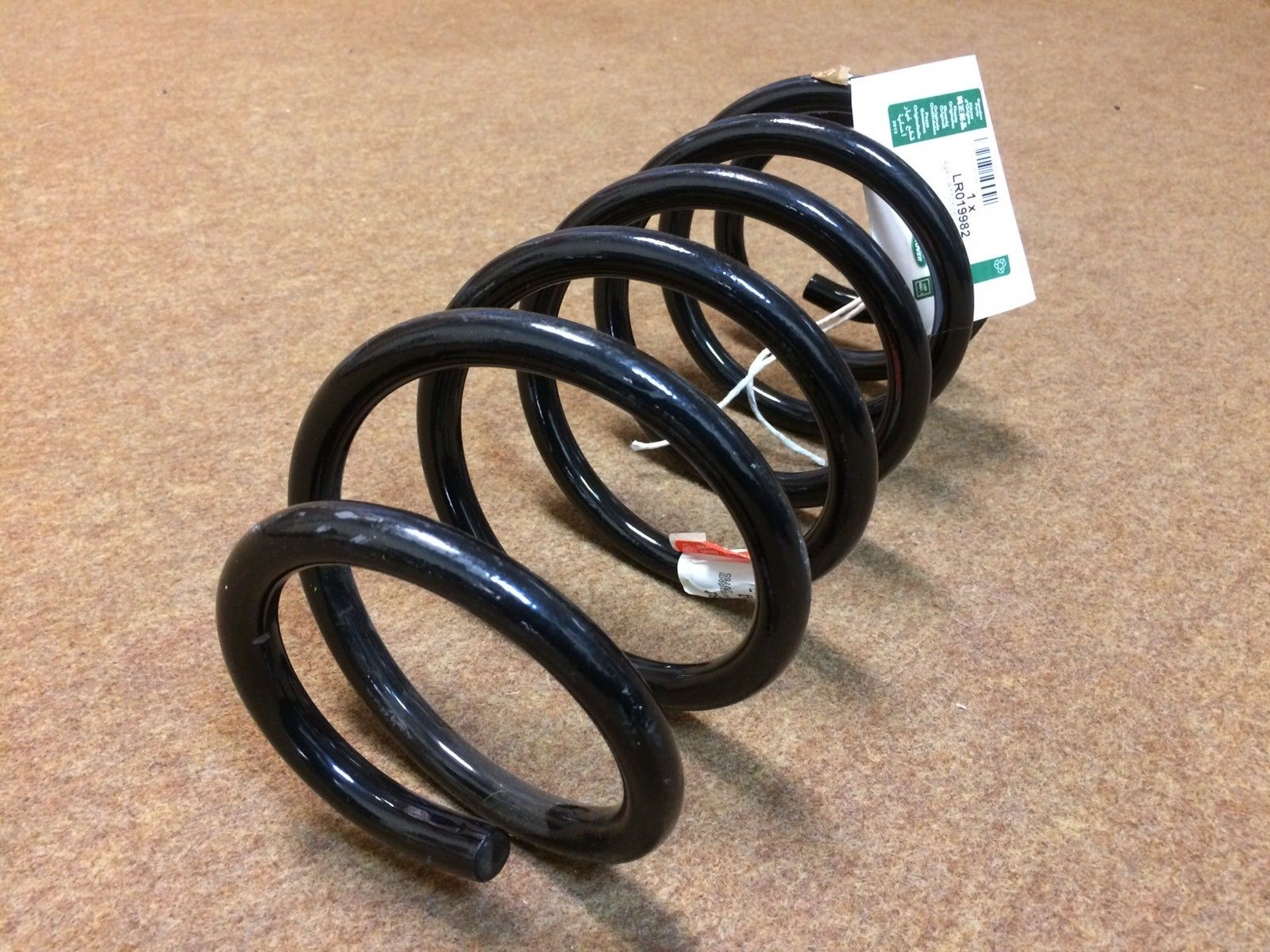 LAND ROVER FREELANDER 2 REAR COIL SPRING SUNROOF MODEL – LR019982.
